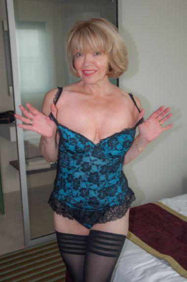 lIona75, 58 ans (paris )
