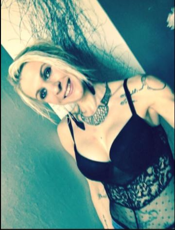 FREYJA_THE.WOLF, 35 ans (BOURGES )