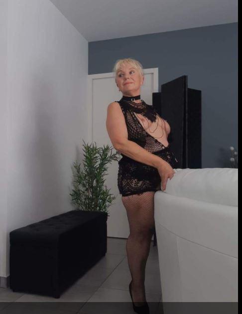 CLOCHEC , 55 ans (Ile-de-France  )