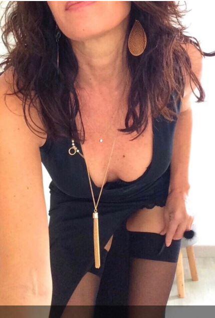 THALINA, 45 ans (paris)