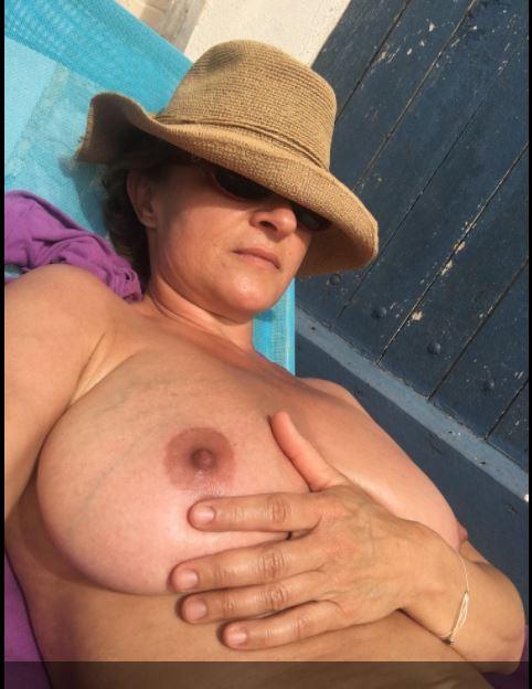 MOIELLA 45 , 50 ans (BORDEAUX )
